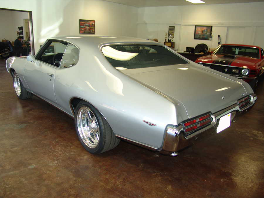 1969 PONTIAC GTO 2 DOOR CUSTOM COUPE - Rear 3/4 - 108156