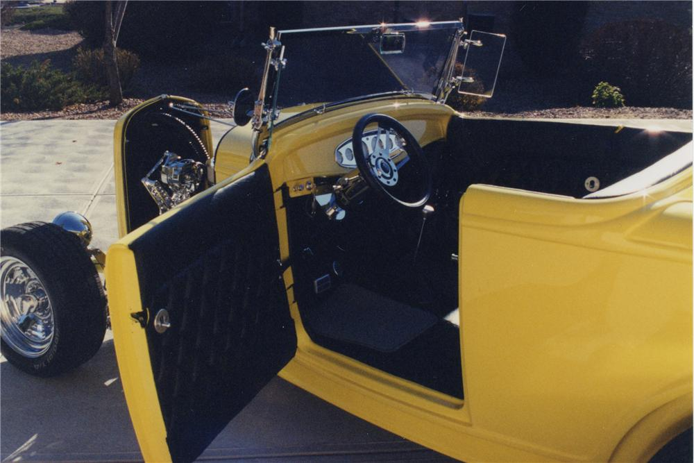 1932 FORD ROADSTER - Interior - 108173