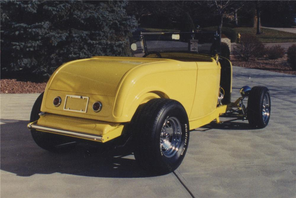 1932 FORD ROADSTER - Rear 3/4 - 108173