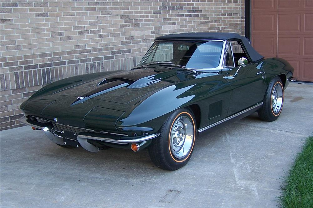 1967 CHEVROLET CORVETTE CONVERTIBLE - Front 3/4 - 108174