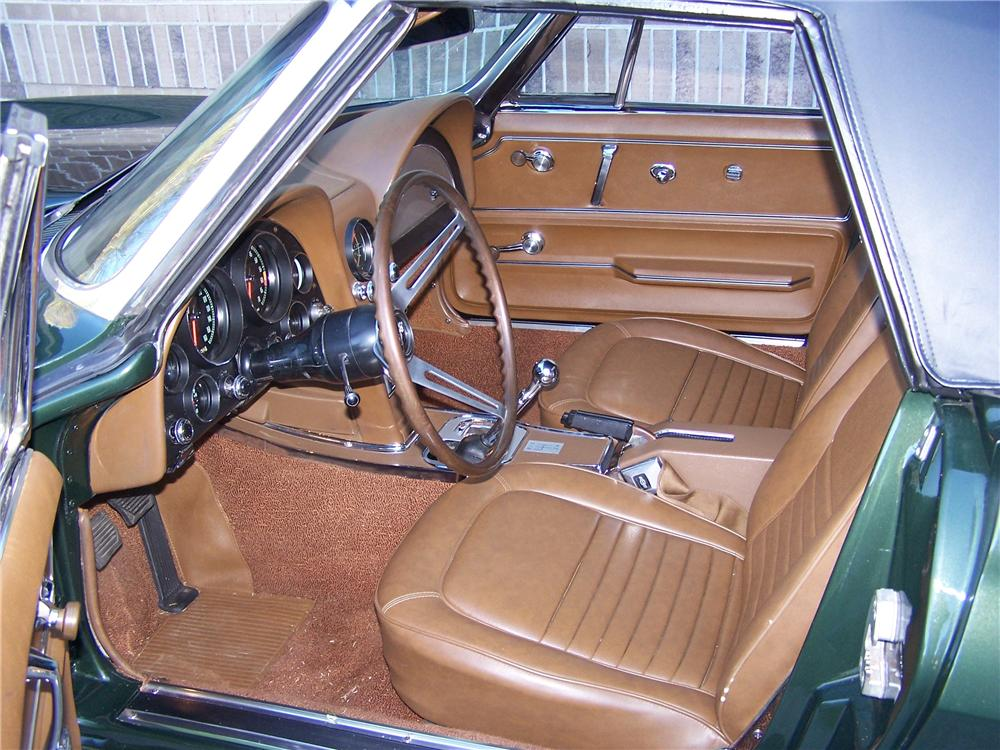 1967 CHEVROLET CORVETTE CONVERTIBLE - Interior - 108174