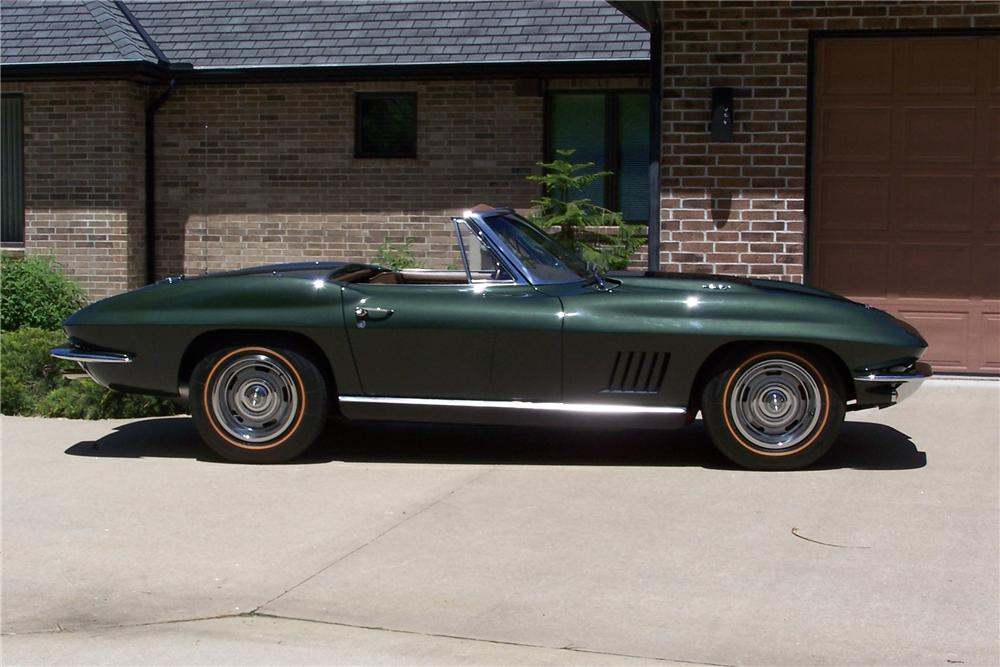 1967 CHEVROLET CORVETTE CONVERTIBLE - Side Profile - 108174