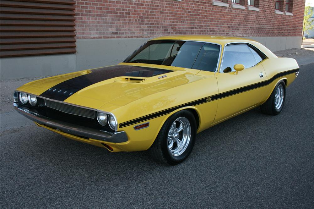 1970 DODGE CHALLENGER 2 DOOR CUSTOM COUPE - Front 3/4 - 108178