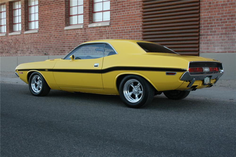 1970 DODGE CHALLENGER 2 DOOR CUSTOM COUPE - Rear 3/4 - 108178