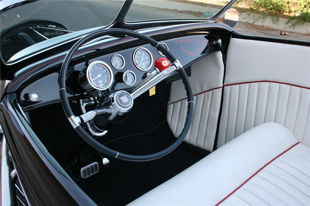 1932 FORD CUSTOM ROADSTER - Interior - 108184