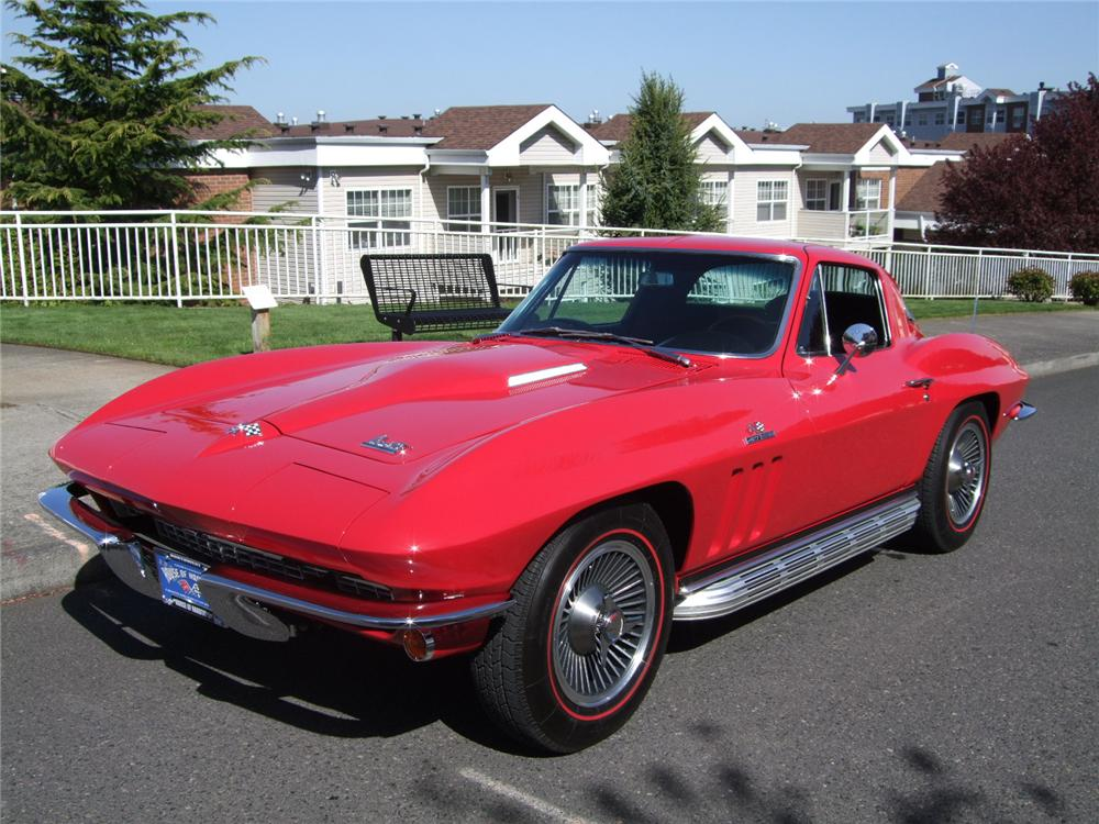 1966 CHEVROLET CORVETTE 2 DOOR COUPE - Front 3/4 - 108199
