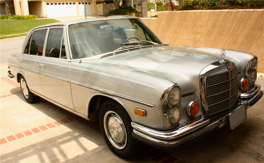 1970 MERCEDES-BENZ 280SEL 4 DOOR SEDAN - Front 3/4 - 108212