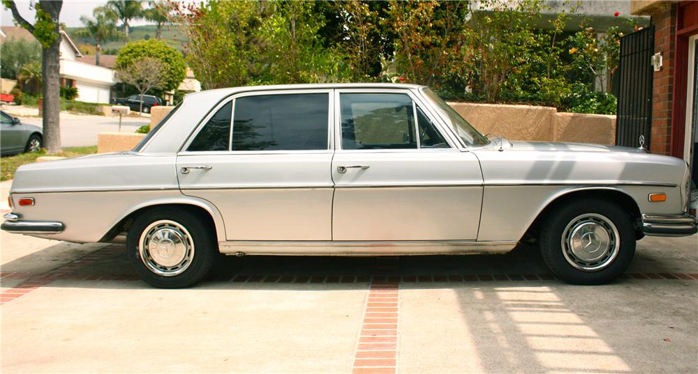 1970 MERCEDES-BENZ 280SEL 4 DOOR SEDAN - Side Profile - 108212