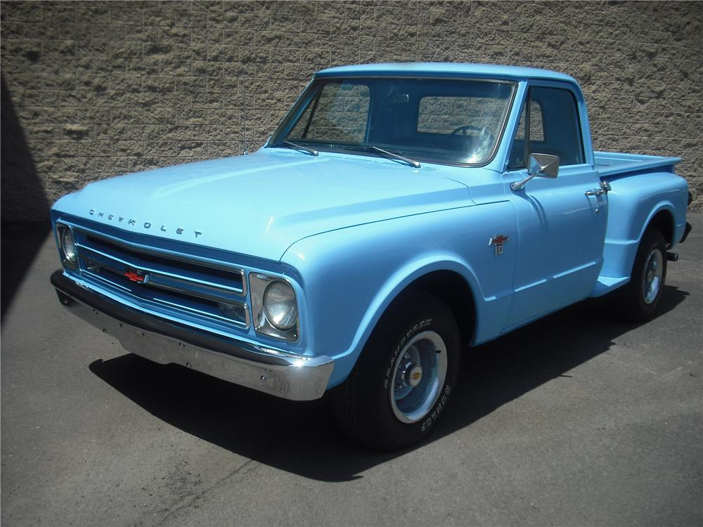 1967 CHEVROLET C-10 PICKUP - Front 3/4 - 108246