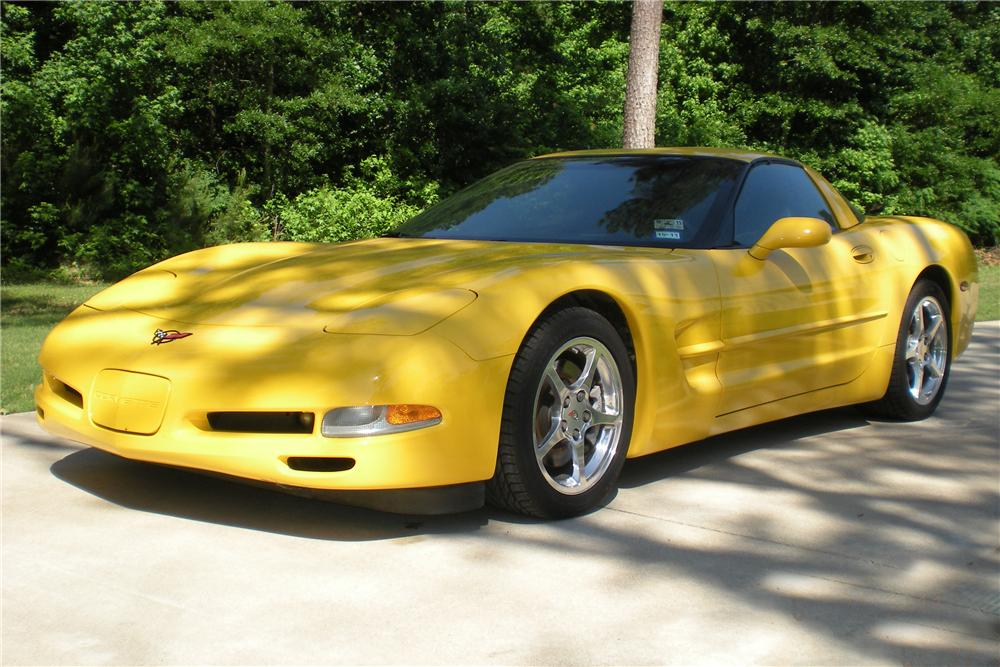 2001 CHEVROLET CORVETTE 2 DOOR COUPE - Front 3/4 - 108274