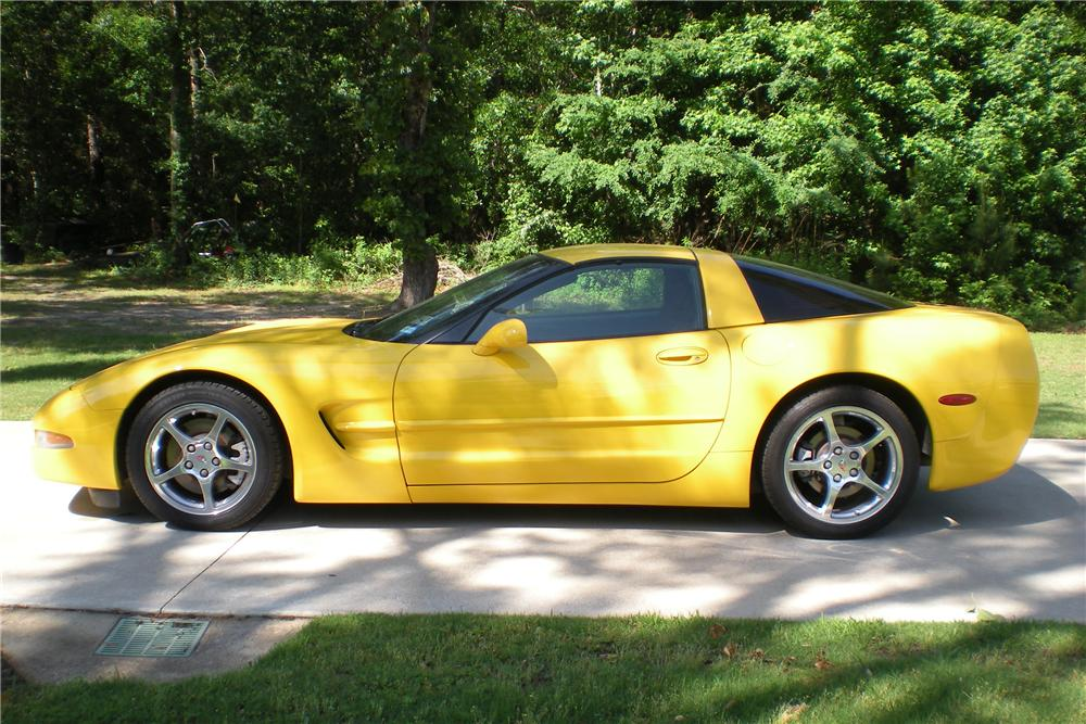 2001 CHEVROLET CORVETTE 2 DOOR COUPE - Side Profile - 108274