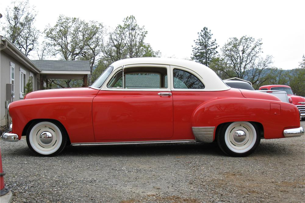 1951 CHEVROLET STYLELINE 2 DOOR CUSTOM COUPE - Side Profile - 108278