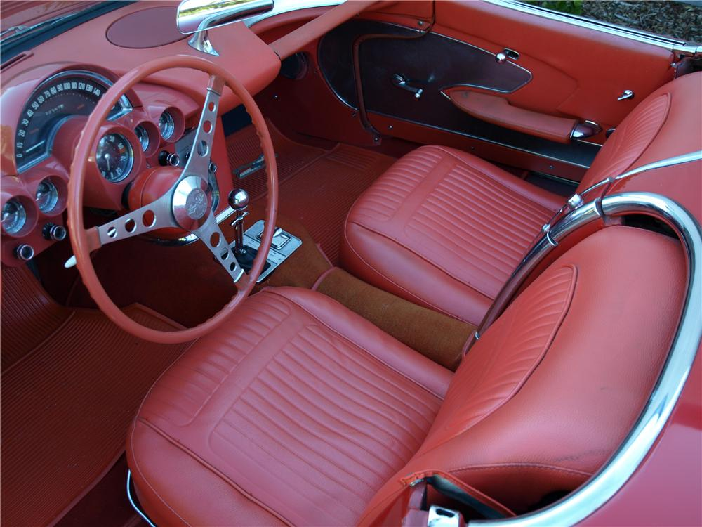 1958 CHEVROLET CORVETTE CONVERTIBLE - Interior - 108297