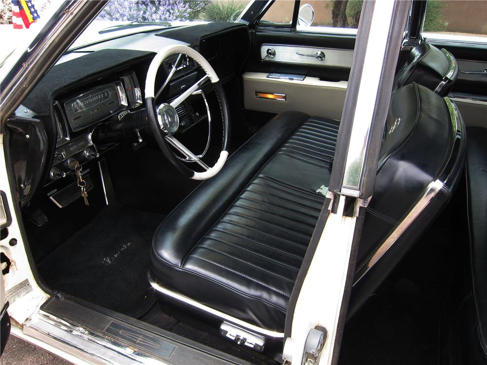 1961 lincoln continental 4 door sedan 108300. Black Bedroom Furniture Sets. Home Design Ideas