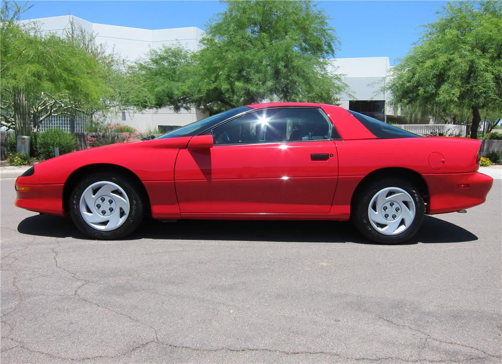 1997 CHEVROLET CAMARO COUPE - Side Profile - 108308