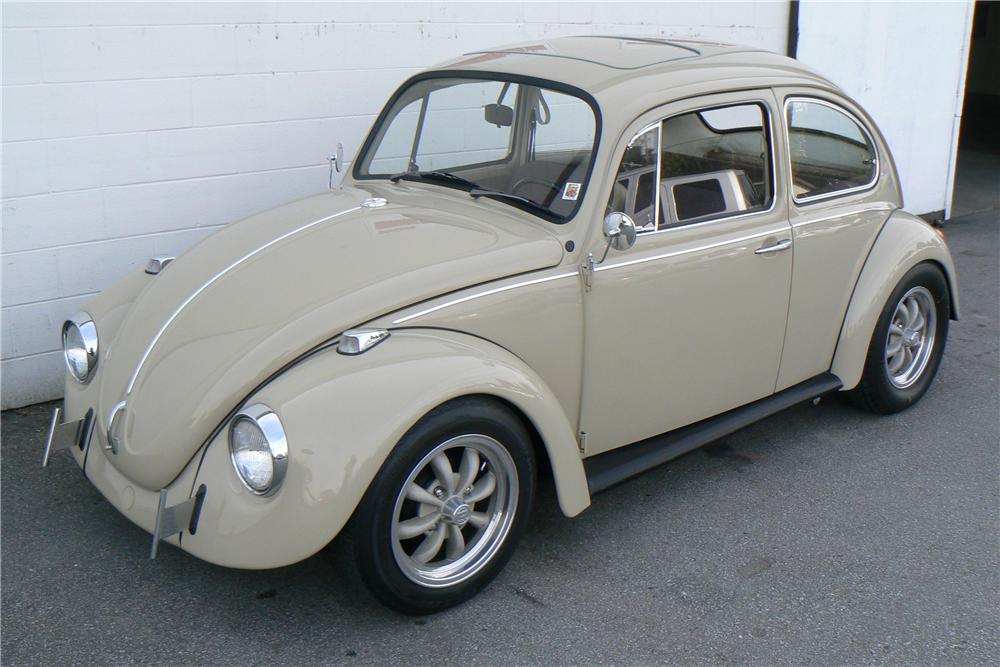 1968 VOLKSWAGEN BEETLE CUSTOM 2 DOOR - Front 3/4 - 108323