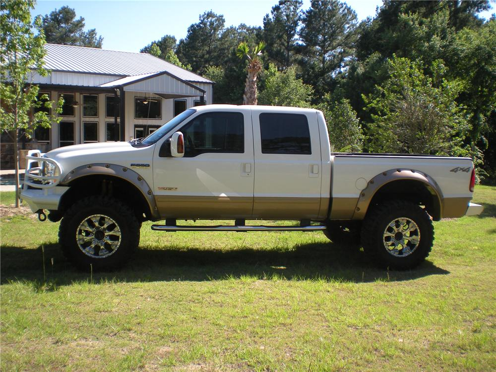 2003 FORD F-250 CUSTOM 4X4 PICKUP - Side Profile - 108327