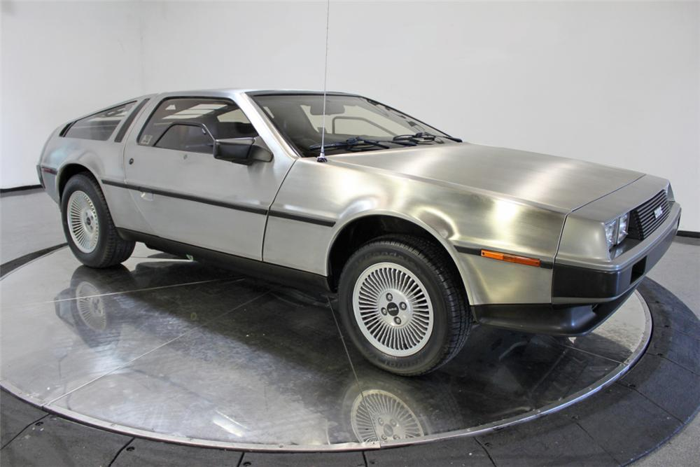 1981 DELOREAN DMC-12 GULLWING - Front 3/4 - 108434