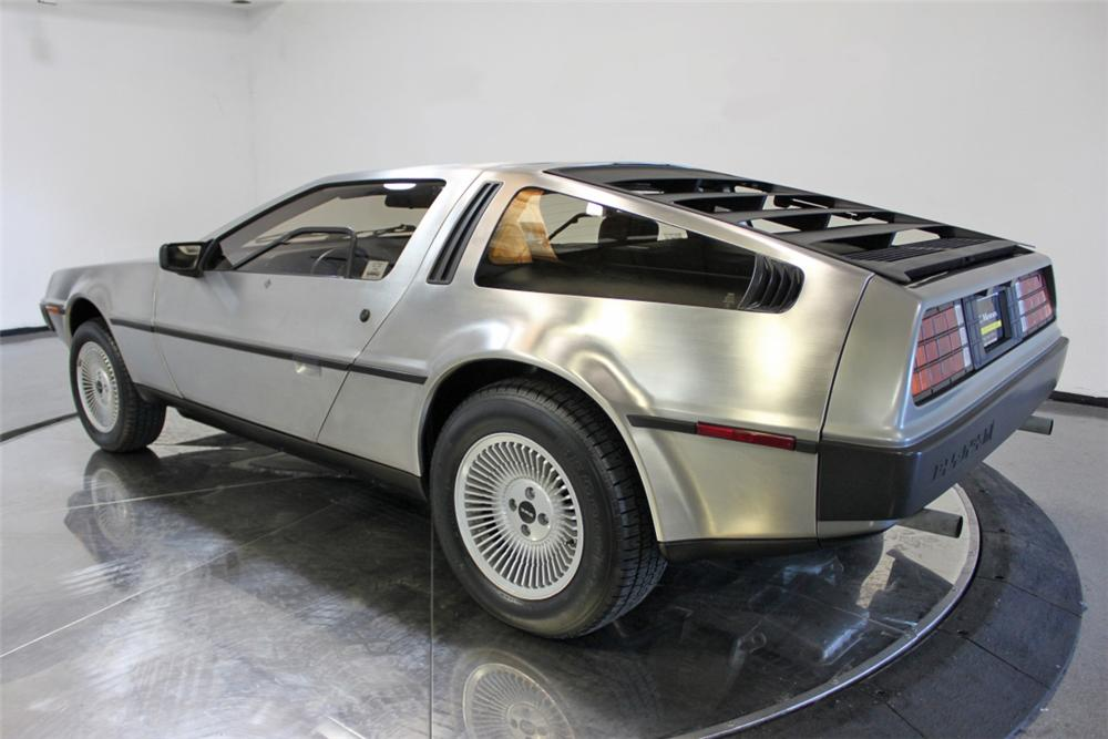 1981 DELOREAN DMC-12 GULLWING - Rear 3/4 - 108434
