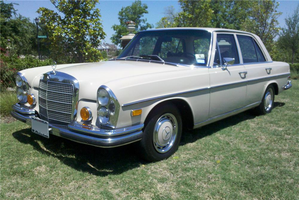 1970 mercedes benz 280se 4 door sedan 108445 for Orange county mercedes benz