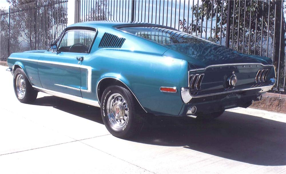 1968 FORD MUSTANG GT FASTBACK - Rear 3/4 - 108461