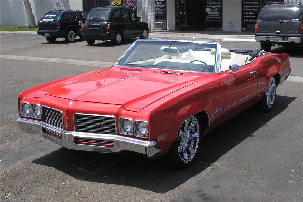 1970 OLDSMOBILE DELTA 88 CONVERTIBLE - Front 3/4 - 108697