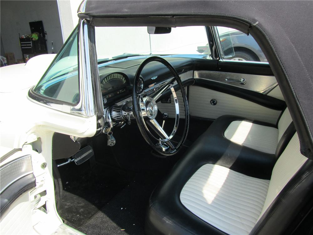1956 FORD THUNDERBIRD CONVERTIBLE - Interior - 108701