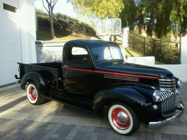 1941 CHEVROLET SHORT BOX PICKUP - Front 3/4 - 108722