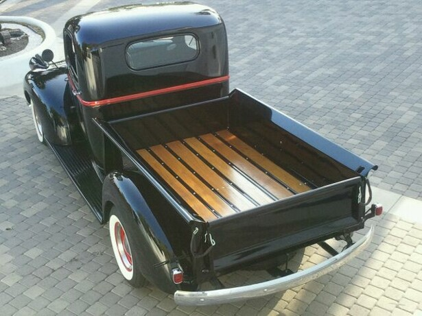 1941 CHEVROLET SHORT BOX PICKUP - Rear 3/4 - 108722