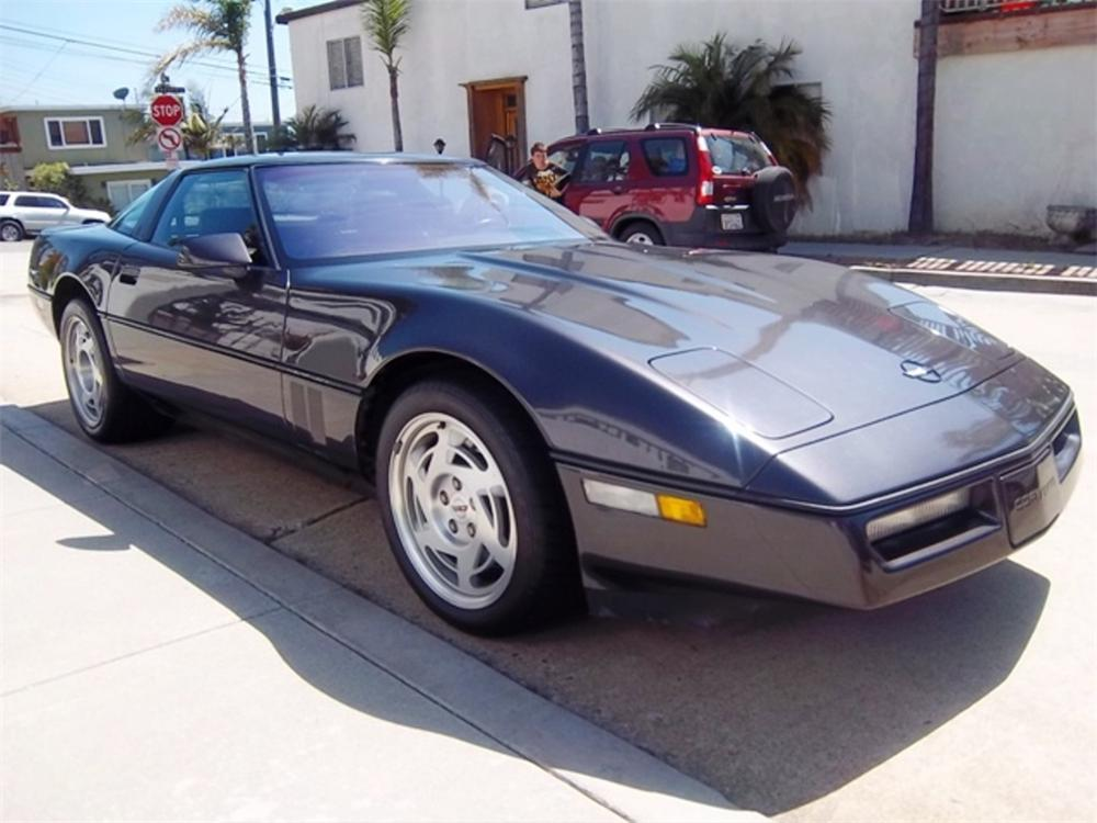 1990 CHEVROLET CORVETTE 2 DOOR COUPE - Front 3/4 - 108734