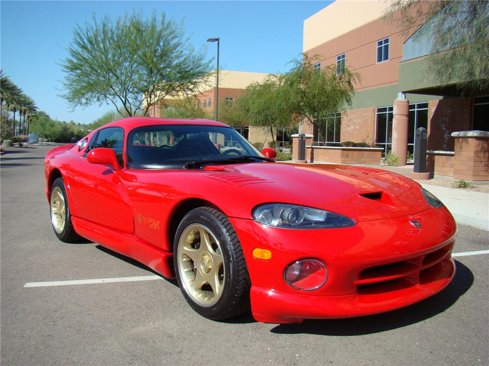 1997 DODGE VIPER GTS 2 DOOR COUPE - Front 3/4 - 108735