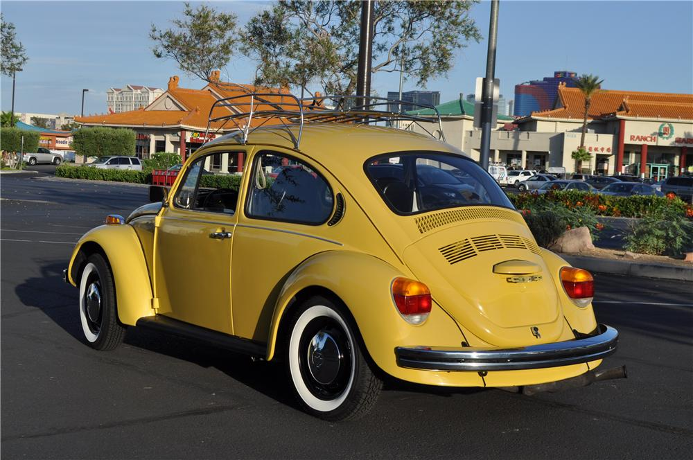 1973 VOLKSWAGEN BEETLE COUPE - Rear 3/4 - 109154