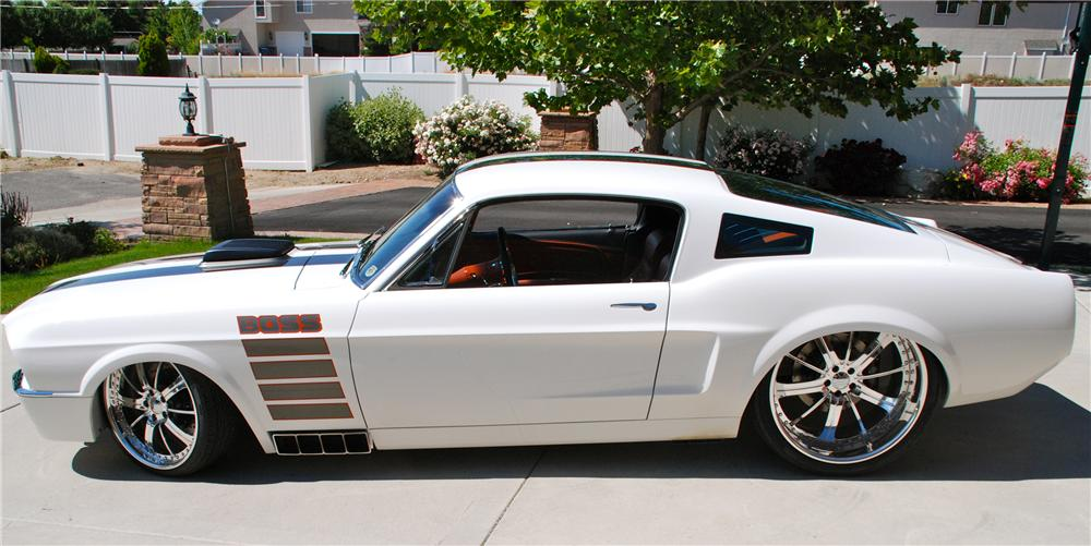 1967 FORD MUSTANG 2 DOOR CUSTOM FASTBACK - Side Profile - 109274
