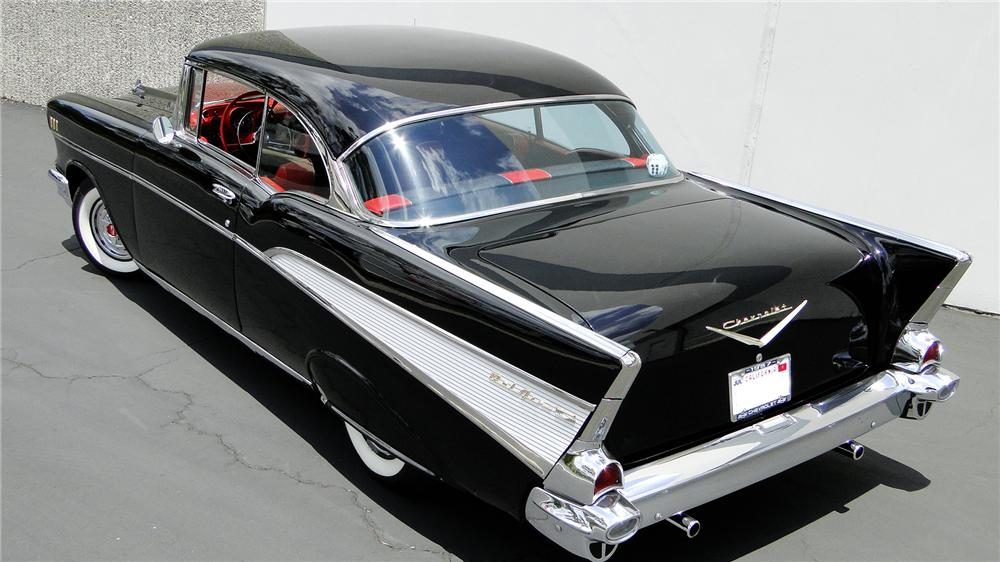 1957 CHEVROLET BEL AIR CUSTOM HARDTOP - Rear 3/4 - 112274