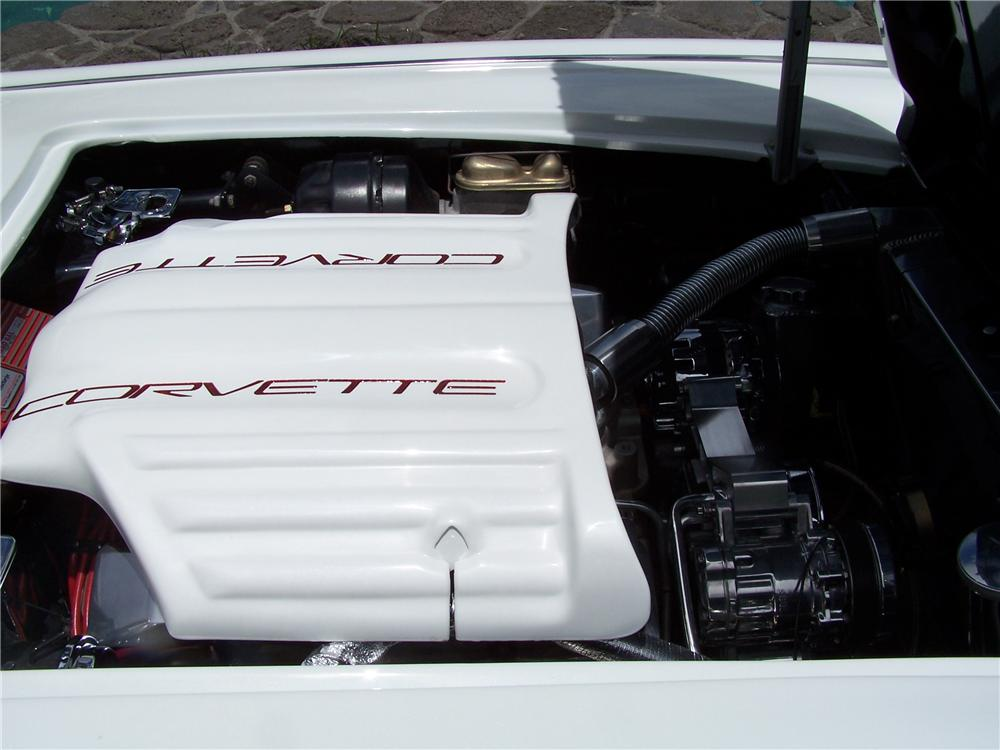 1962 CHEVROLET CORVETTE CUSTOM CONVERTIBLE - Engine - 112565