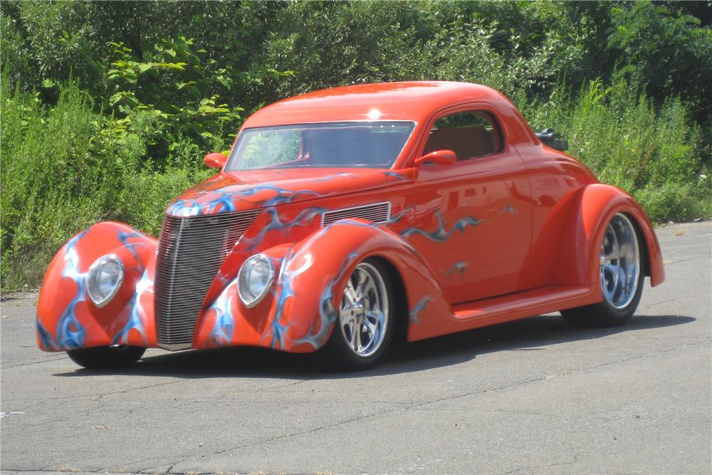 1937 FORD 3 WINDOW CUSTOM 2 DOOR COUPE - Front 3/4 - 112612