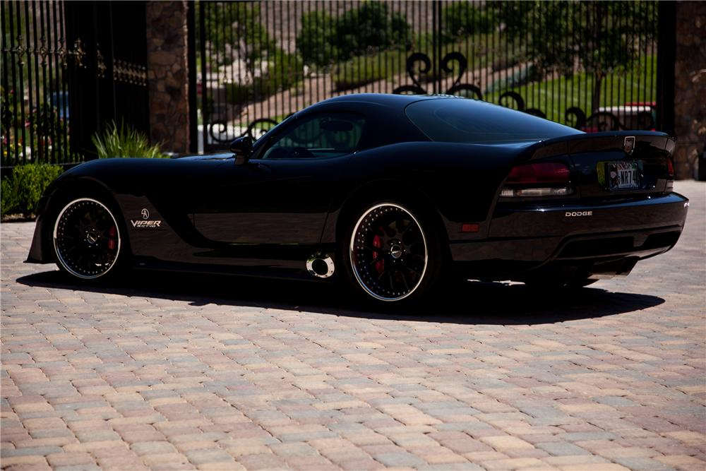 2006 DODGE VIPER CUSTOM 2 DOOR COUPE - Rear 3/4 - 112616