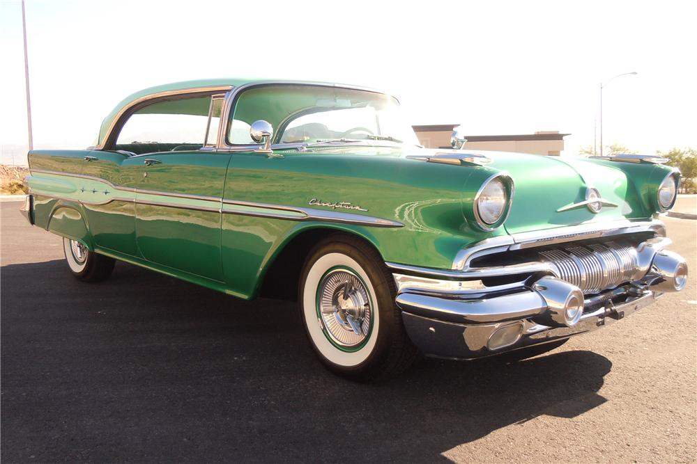 1957 PONTIAC CHIEFTAIN 4 DOOR HARDTOP - Front 3/4 - 112622