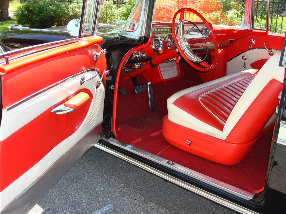 1957 PONTIAC STAR CHIEF CONVERTIBLE - Interior - 112623