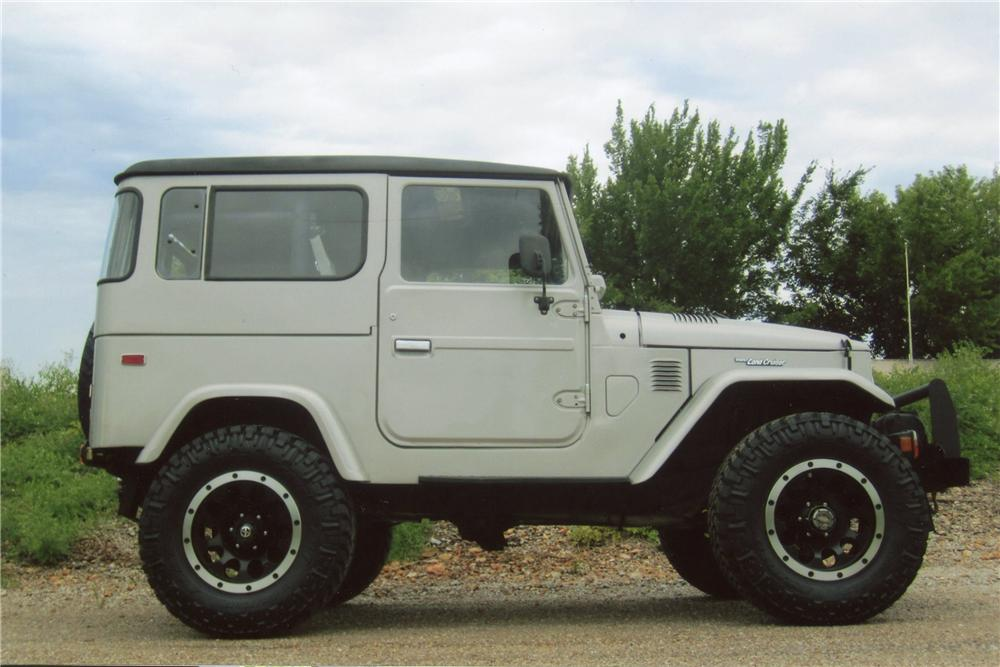 1977 TOYOTA LAND CRUISER FJ-40 CUSTOM SUV - Side Profile - 112629