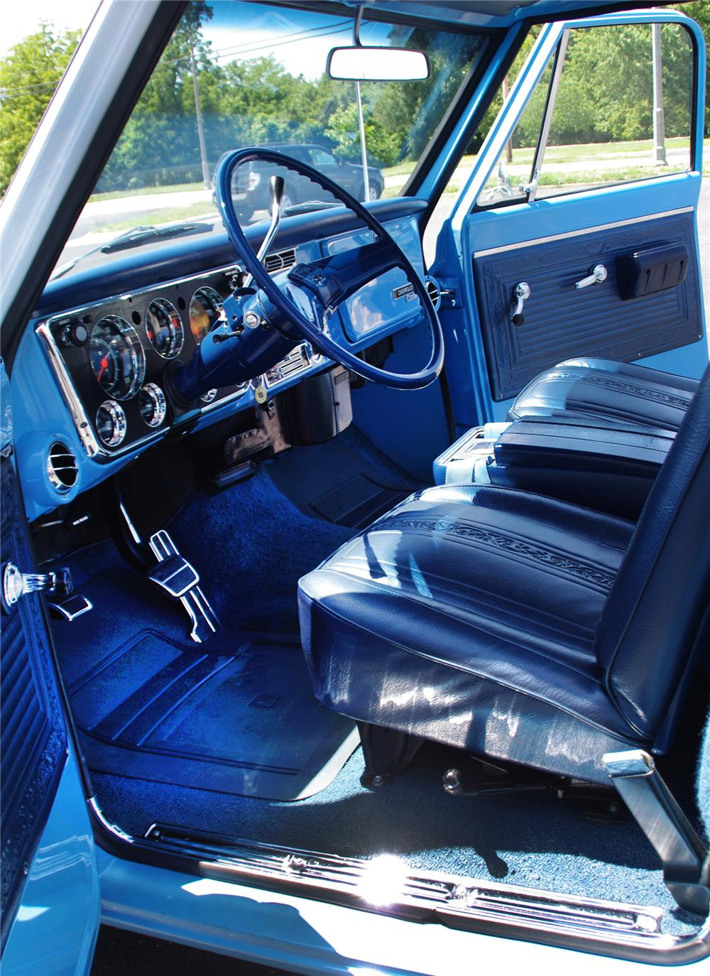 1969 CHEVROLET C-10 PICKUP - Rear 3/4 - 112632