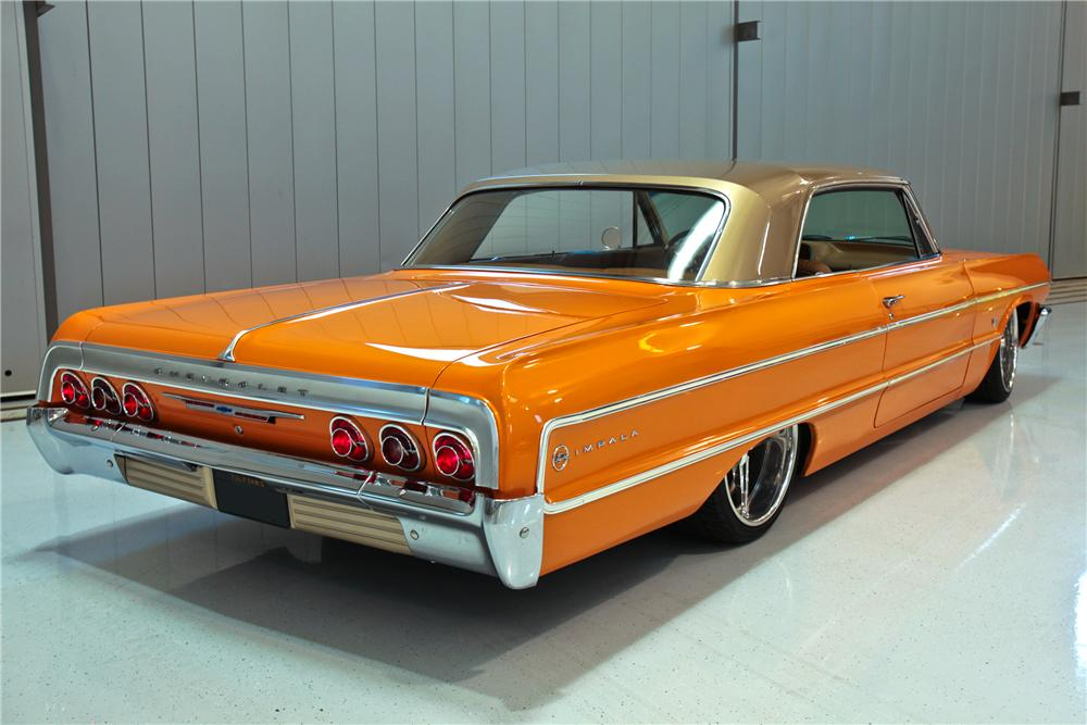 1964 CHEVROLET IMPALA CUSTOM 2 DOOR HARDTOP - Rear 3/4 - 112639