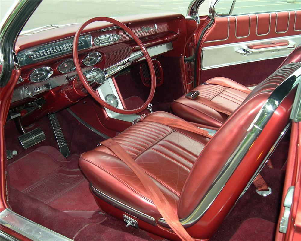 1961 OLDSMOBILE STARFIRE CONVERTIBLE - Interior - 112641