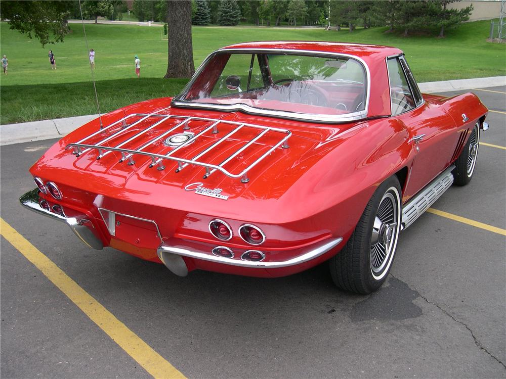 1965 CHEVROLET CORVETTE ROADSTER - Rear 3/4 - 112643