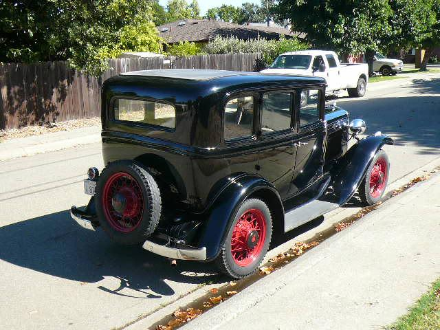 1931 PONTIAC 4 DOOR SEDAN - Rear 3/4 - 112650