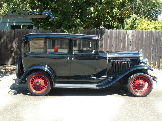 1931 PONTIAC 4 DOOR SEDAN - Side Profile - 112650