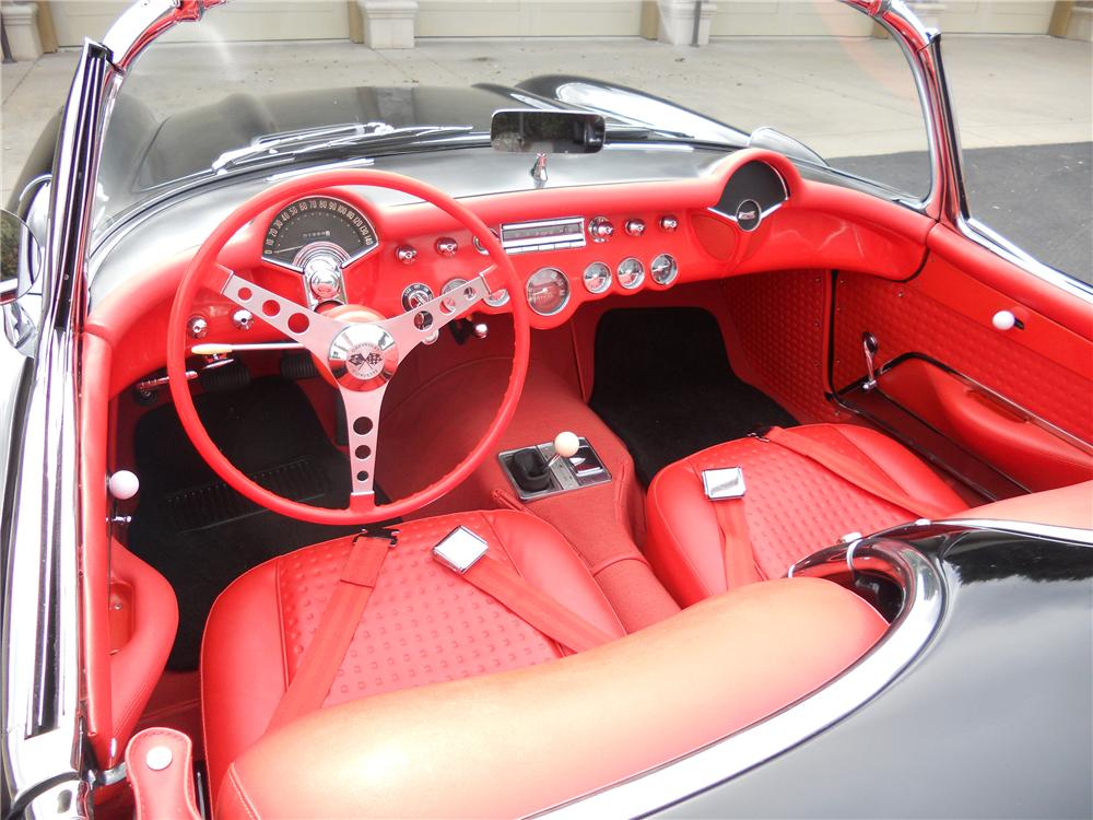 1957 CHEVROLET CORVETTE CONVERTIBLE - Interior - 112664