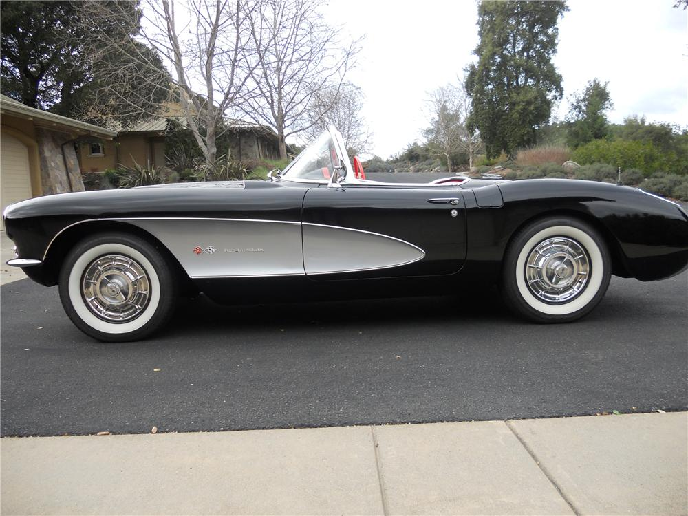 1957 CHEVROLET CORVETTE CONVERTIBLE - Side Profile - 112664