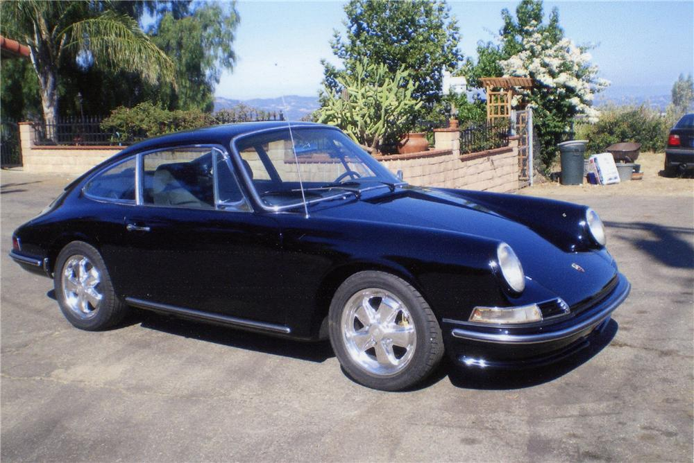 1967 PORSCHE 912 CUSTOM 2 DOOR COUPE - Front 3/4 - 112666