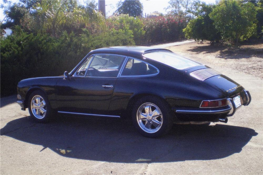 1967 PORSCHE 912 CUSTOM 2 DOOR COUPE - Rear 3/4 - 112666